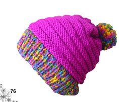 Gorros diferentes diseños y colores, tejidos a mano