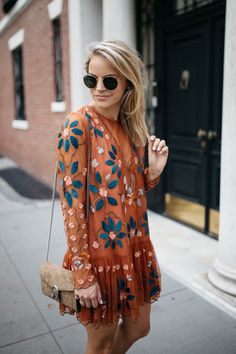 I am so excited to share this transitional fall embroidered dress with you all as it is one of my current favorites. Urban Fashion, Boho Fashion, Autumn Fashion, Womens Fashion, Fashion Styles, Style Fashion, Fashion Design, Maya, Mode Vintage