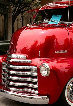 chevy truck ... COE (Cab Over Engine) Trucks are so cool!