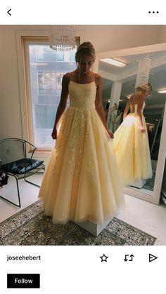 Yellow grad dress - Source by - Pretty Prom Dresses, Hoco Dresses, Quinceanera Dresses, Ball Dresses, Homecoming Dresses, Cute Dresses, Beautiful Dresses, Formal Dresses, Banquet Dresses