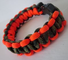 Shop for on Etsy, the place to express your creativity through the buying and selling of handmade and vintage goods. Parachute Cord, Paracord Projects, Paracord Bracelets, Mad Max, Teacher Stuff, Wood Projects, Friendship Bracelets, Knots, Christmas Crafts
