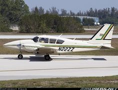 Piper PA-23-250 Aztec F aircraft picture