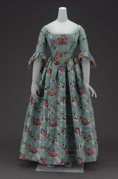 Springfields brocade dress, American, 1840, silk brocade and silk satin with glazed cotton lining.