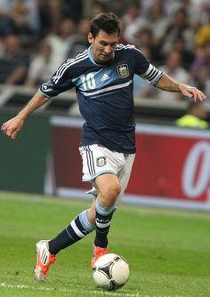 Soccer Guys, Soccer Players, Football Soccer, Lionel Messi, Fc Barcelona, Javier Hernandez, International Football, Thing 1, Athletic Men