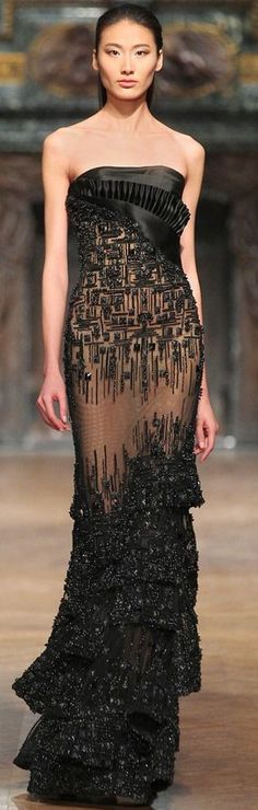 """Tony Ward spring 2014 couture collection evening gown  ♥♡♥♡♥Thanks, Pinterest Pinners, for stopping by, viewing, re-pinning,  following my boards.  Have a beautiful day! ^..^ and """"Feel free to share on Pinterest ^..^ #streetfashion   #fashionupdates #kimo"""