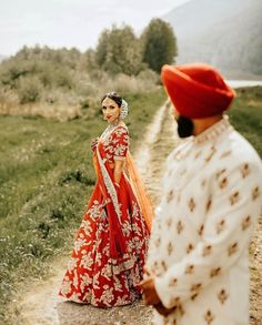 Looking to shop your bridal wear in Toronto? Then you have to check out this complete list of Toronto Lehenga Shopping brands. I've mentioned prices too! Indian Wedding Receptions, Wedding Mandap, Sikh Wedding, Indian Wedding Decorations, Wedding Shoot, Stage Decorations, Wedding Ideas, Dream Wedding, Punjabi Wedding