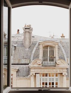 Window view, Paris, France photo on Sunsurfer Oh Paris, Paris France, Provence France, Oh The Places You'll Go, Places To Travel, Travel Destinations, Winter Destinations, Flower Yellow, Paris By Night