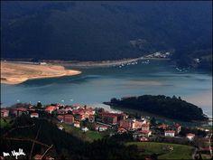 SUKARRIETA URDAIBAI BIZKAIA EUSKAL HERRIA / Pedernales Pays Basque. Photo By Martin Ugalde.