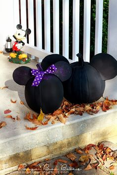 Sugar Bean Bakers: {Craft: Mickey & Minnie Mouse Pumpkins}