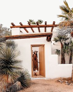 This Free-Spirited Arizona City Is Where All the Cool Creatives Live #SOdomino #wall #property #house #tree #vacation