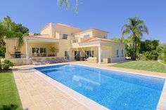 Luxueuse villa située au coeur du prestigieux quartier de Parque Atlantico dans le Resort de Quinta do Lago! En savoir plus:http://ow.ly/CFuvx