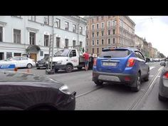 """Торопливый """"Форд Фокус"""" врезался в грузовую Газель на Литейном проспекте"""