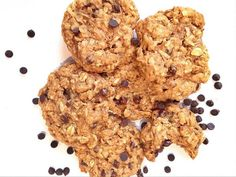 Chewy Oatmeal, Peanut Butter, Chocolate Chip Cookies - Powered by Chocolate Peanut Butter, Chocolate Chip Cookies, Vegan Treats, Oatmeal, Baking, Live, Healthy, Desserts, Recipes