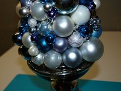 Red Heads Craft More Fun: Holiday Ornament Tree