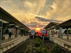 #Iserlohn #Stadtbahnhof #Bahnhof #Bahn #Sonnenuntergang #Strassenfotografie #streetphotography #Sauerland #sektorliebe #sektor #nordrheinwestfalen #NRW