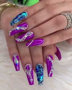 In order to provide some inspirations for nails red colors for your long nails in this winter, we have specially collected more than 80 images of red nails art designs. Swarovski Nails, Rhinestone Nails, Bling Nails, Glitter Nails, Swarovski Crystals, Cute Acrylic Nails, Cute Nails, Pretty Nails, Blue Nail Designs