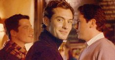 Here is a Jude Law Gif Hunt for my dear friend Brittany Jude Low, Hot Men, Hot Guys, Gorgeous Men, Beautiful People, Ex Wives, Series Movies, Funny Signs, Movies Showing