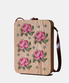 Handmade cross stitched wood bags, wood purse, and wood clutch with natural oak wood and genuine leather. Cross Stitch Love, Cross Stitch Designs, Cross Stitch Patterns, Diy Reusable Bags, Wooden Purse, Sweet Bags, Embroidered Bag, Cross Stitch Embroidery, Textiles