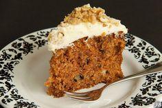Carolines blog: Ottolenghi's worteltaart met walnoten Cake Cookies, Cupcake Cakes, Bolo Cake, Yotam Ottolenghi, Fabulous Foods, High Tea, Just Desserts, Baking Soda, Banana Bread