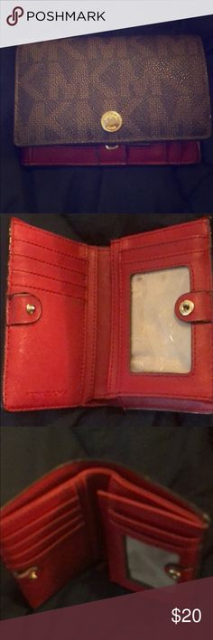 Michael Kors wallet Moderate use - in good condition Michael Kors Bags Wallets