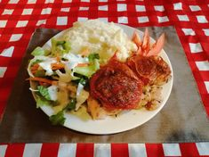Sajtos sült karaj | Nosalty Mashed Potatoes, Meat, Chicken, Ethnic Recipes, Food, Whipped Potatoes, Smash Potatoes, Essen, Meals