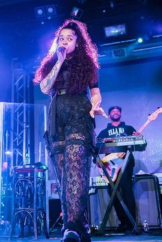 1ac889ea8 British R B Phenom Ella Mai Brings Soulful Sounds to a Sold-Out Crowd at  Vinyl Inside Hard Rock Hotel   Casino Las Vegas