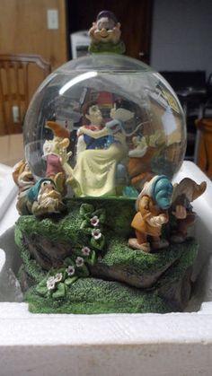 59,99 BIN PRICE-NICE! RARE Disney's Snow White The 7 Dwarfs Musical Snow Globe | eBay