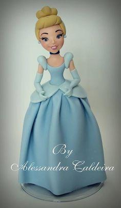 Cinderella | Alessandro Caldeira | Gumpaste Figures