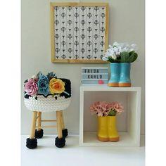A imagem pode conter: área interna Handmade Gifts, Instagram, Kids Stool, Ideas, Step Stools, Banks, Kid Craft Gifts, Craft Gifts, Diy Gifts