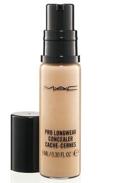 Pro Longwear Concealer MAC - el color perfecto, muy buena cobertura y durabilidad. Eso sí, es un poco plastongo.