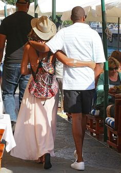 Beyoncé and Jay Z are too cute in Italy.