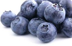 Blueberry Facial Masque  ¼ cup local organic blueberries (these provide the most antioxidant power as they were just picked) 1 tbsp raw organic honey 1 tbsp organic olive oil  Method  1. Add all the ingredients to a blender and blend well.  2. Evenly apply all over the face, leaving room around the eyes and mouth.  3. Leave the masque on for 5 minutes allowing it to fully sink in hydrating and nourishing the skin.  4. Remove the masque with a damp cloth.
