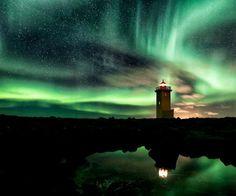 Stunning Photos of Lighthouses Around the World (GALLERY)