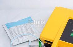 """""""Automated External Defibrillator and pad"""" photo libre de droits sur la banque d'images Fotolia.com - Image 87993586"""