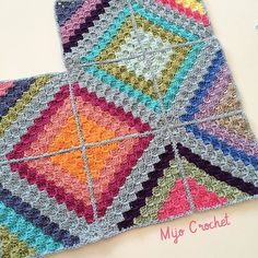 #wip ! C2C stash buster blanket. Cotton yarn and hook 3.5 mm. Creating colorful…