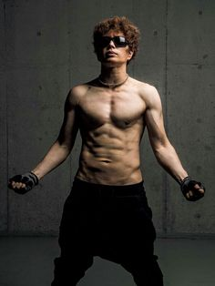 Gackt Japanese Drama, Japanese Men, Gackt, Pop Idol, Asian Actors, Male Physique, Lee Min Ho, Visual Kei, Pose Reference