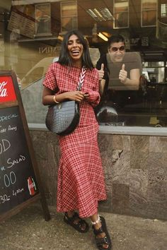This season it's all about checked dresses. It's the print that's quite literally putting a spring in our step. Fashion 2020, Girl Fashion, Fashion Outfits, Fashion Trends, 70s Fashion, Dress Fashion, Mode Simple, Androgynous Fashion, Check Dress