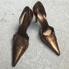 Carole Little bronze gold leather pumps. Like NEW! Carole Little bronze gold leather pumps. Excellent condition!!!! Size 7.  3.5 inch heel Carole Little Shoes Heels