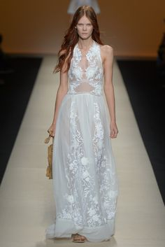Alberta Ferretti RTW Spring 2015 - Slideshow - Runway, Fashion Week, Fashion Shows, Reviews and Fashion Images - WWD.com