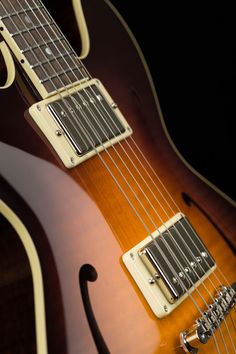 Collings I-35 LC Deluxe | Semi-hollow Electric Guitar
