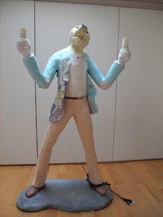 Georg erhält seinen Blazer