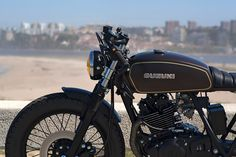 8negro: SUZUKI GN250:: Dream Wheels Heritage.