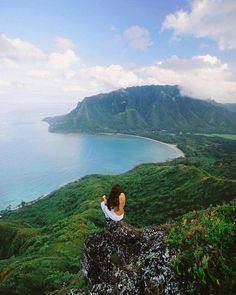 On top of the world Oahu Hawaii US | Chelsea Yamase Say Yes To Adventure