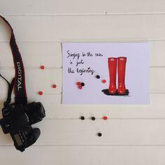 ilustracion hunter rojas por La Tortuguita Blanca Red hunter boots illustration by La Tortuguita Blanca  Available at the shop