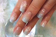 Here is a tutorial for an interesting Christmas nail art Silver glitter on a white background – a very elegant idea to welcome Christmas with style Decoration in a light garland for your Christmas nails Materials and tools needed: base… Continue Reading → Christmas Nail Art, Holiday Nails, Wedding Day Nails, Natural Nail Designs, Polka Dot Nails, Green Nails, Nail Shop, Beautiful Nail Art, Nail Polish Colors