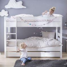 -Découvrez le lit superposé blanc Tom & Appoline 90x190. Avec son design sobre et moderne, vos enfants seront ravis ! De fabrication française, ce lit resistera sans problème aux assauts de vos enfants ! L'échelle se positionne à droite ou à gauche selon la configuration de votre chambre enfant . Vous pouvez ajouter en option un tiroir lit de 90x190 pour ranger toutes les affaires de vos enfants ou, en ajoutant un matelas , disposer d'un lit d'appoint. A noter, ce lit peut se...