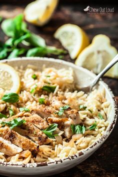 This Lemon Basil Orzo with Chicken is quick, easy, and absolutely scrumptious. - This Lemon Basil Orzo with Chicken is quick, easy, and absolutely scrumptious. New Recipes, Cooking Recipes, Healthy Recipes, Recipies, Favorite Recipes, Comfort Food, Pasta Dishes, The Best, Clean Eating