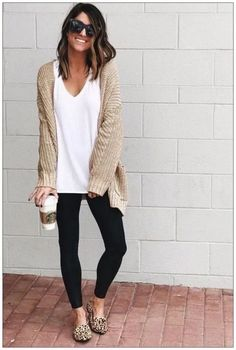 outfits with leggings - outfits . outfits for school . outfits with leggings . outfits for school winter . outfits with air force ones . outfits with black jeans . outfits with doc martens Look Legging, Casual Weekend Outfit, Weekend Style, Comfy Work Outfit, Weekend Wear, Cardigan Outfits, Casual Leggings Outfit, Outfit Ideas With Leggings, Winter Cardigan Outfit