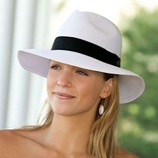 """Walleroo """"Frankie"""" hat with sunscreen built into the fabric. Just got mine in the mail. LOVE it!"""