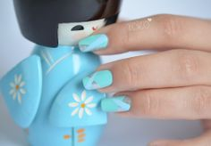 http://www.fashion-nail.net/article-nail-art-facile-et-graphique-121999606.html